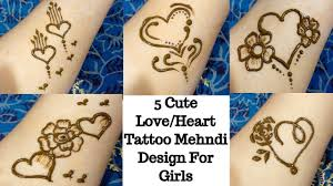 love heart mehndi design simple