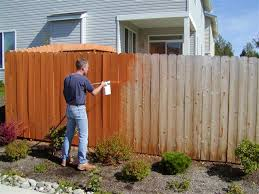 Application 5 Minute Fence Stain