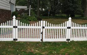 Scalloped Top Narrow Picket Fence Contractor Mt Hope Fence