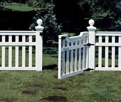 Build A Picket Fence Fence Design Front Yard Fence Decorative Garden Fencing