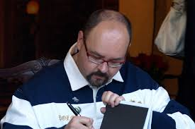 Spanish author Carlos Ruiz Zafón passed away aged 55 — Pendect