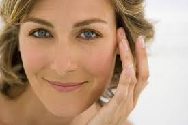 helpful makeup tips for las over 40s