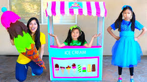 Wendy & Jannie Pretend Play with Giant Ice Cream Cone Cart Store Kids Toy -  YouTube