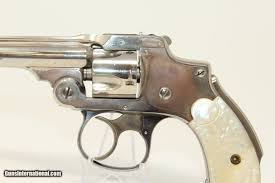 """Nickel & Pearl SMITH & WESSON """"Lemon Squeezer"""" Rev PEARL HANDLED Safety  Hammerless Revolver"""