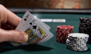 Cara Bermain Poker Terbaik Texas Holdem