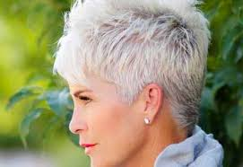 34 flattering short haircuts for older