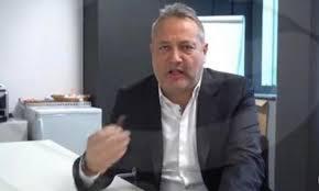 Claudio Brachino fuori da Mediaset. L'annuncia l'azienda del ...
