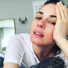 mia kirshner height weight age body