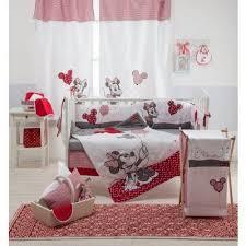 red minnie mouse habitación de mickey