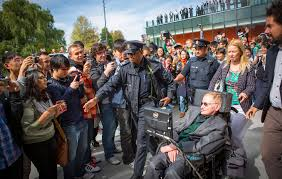 Stephen Hawking |