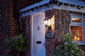 How To Hang Outdoor Christmas Lights Ideas Advice Diy At B Q