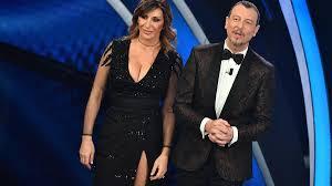 Sanremo: in testa alla classifica della seconda serata c'è ...