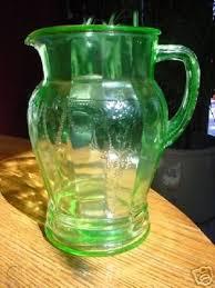 depression glass 56 oz water pitcher