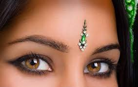Bindi Designs According To Face Shapes