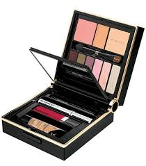 travel exclusive makeup palette