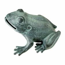 bull frog garden statue design toscano