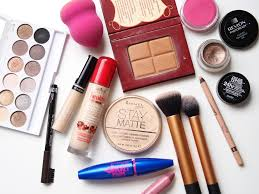 must haves for any makeup kit items