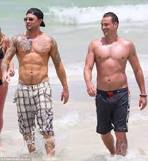 Lee Ryan may be in shape but Duncan James' incredibly ripped body ...