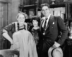 Marie Dressler, Anne Shirley and director George W. Hill on the ...