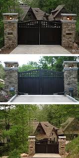 Lanternas Protegidas Por Grades Bem Estreitas E Portinha Do Lado De Dentro Para Trocar Lampada Wooden Gates Driveway House Gate Design Driveway Entrance