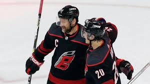 Hurricanes bring back Justin Williams on one-year, $700K deal ...