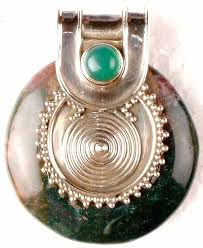 agate pendant with green onyx