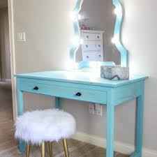 diy makeup vanity with lights
