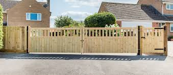 Kudos Fencing Ltd Fences Gates Decking Installed