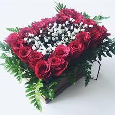 اجمل باقات الورد تقدمها المعلمات مدرسة بتير الثانوية