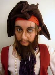 punk y glamorous looking pirate