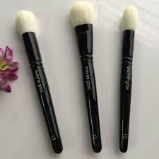 wayne goss brush 13 face brush review