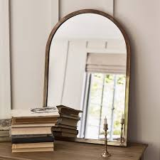 hanging and freestanding mirrors
