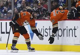 Adam Henrique scores twice in Ducks' win over Canucks - Los ...