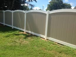 2 Tone Vinyl Privacy Fence With Arch Top Vinyl Privacy Fence Dog Backyard Vinyl Fence