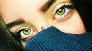 خلفيات عيون بنات
