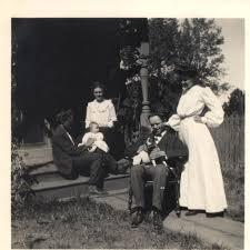 Harlow and Elizabeth Hamilton Harvey with friends Benjamin and Ada Kennan.