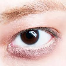3 eyeliner tricks for s with small eyes