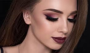 makeup ideas for burgundy dresses