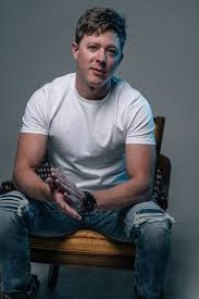 "Adam Sanders Releases Heartfelt New Single ""Make Em Wanna Change"" - Country  Music Chat & Sway"