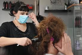 Coronavirus: parrucchieri gratuiti a fine emergenza per ringraziare gli  infermieri in prima linea