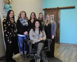 salon strives to connect with clients