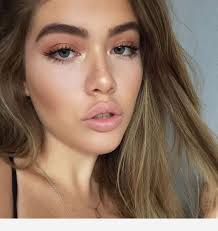 pink lipstick and simple makeup