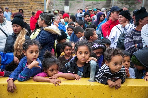 Resultado de imagen de Política migratoria de EEUU envía miles de niños de regreso a México