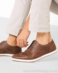 bond street by red tape casual shoes