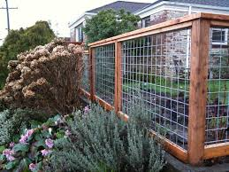 Modern Wire And Wood Fence With Wood Gate I Wonder What The Hoa Would Say Cheap Garden Fencing Backyard Fences Fence Design