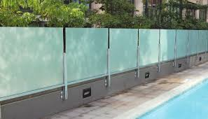 Http Www Crlaurence Com Adv Documents Avdb4111 20augw15 20glass 20wall Pool Au Pdf