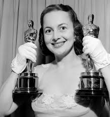 100 Years Of Olivia De Havilland Handling Sexism, Her Sister, And ...
