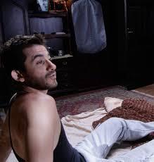 الممثل المصري أحمد حلمي يظهر في مشهد من فيلم 1000 مبروك الجديد