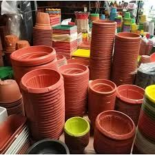 round plastic flower pots