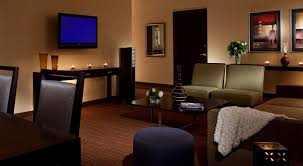 stay at turtle creek hotel